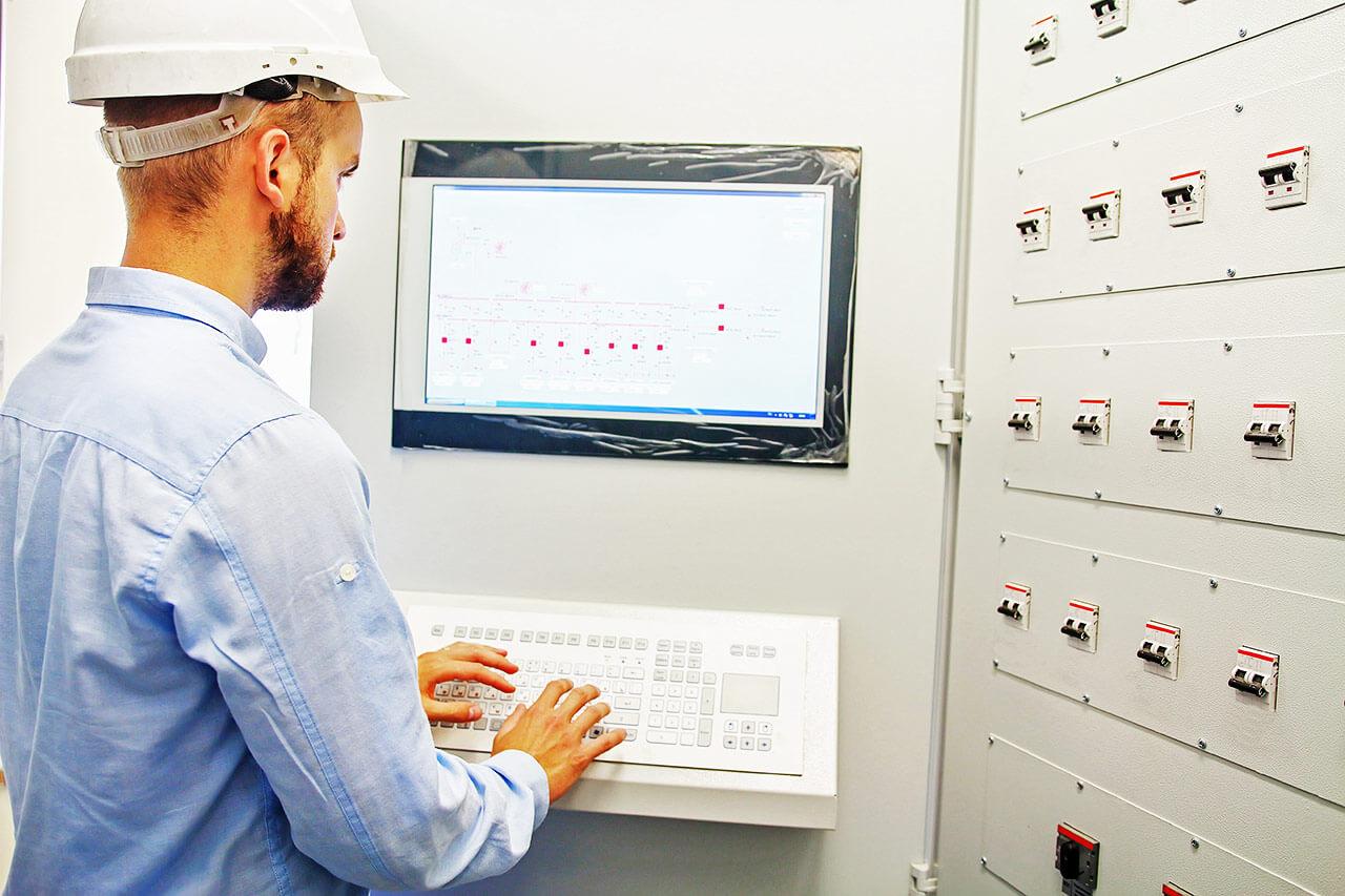 El sistema SCADA permite gestionar procesos industriales a distancia