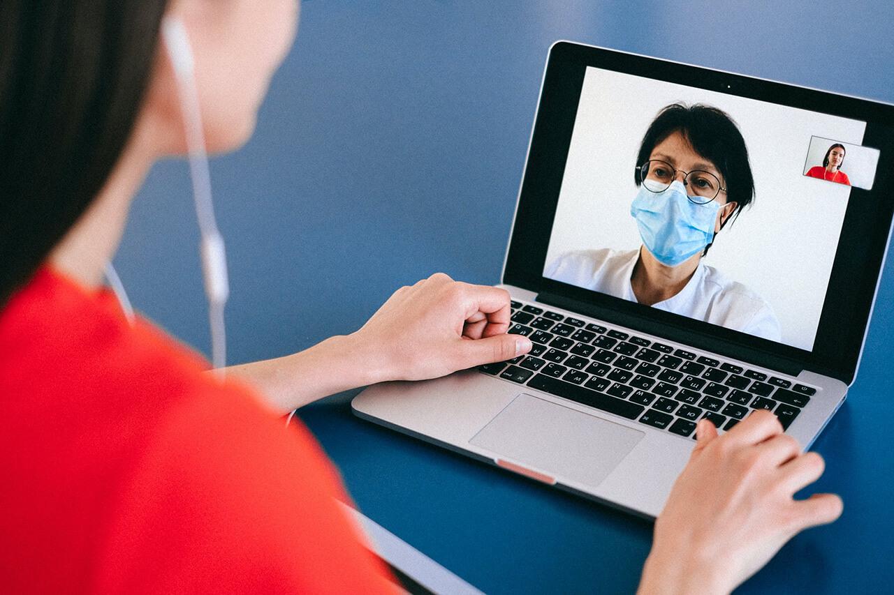 La telemedicina ha sido la forma más útil de evitar el colapso sanitario sin mermar la atención médica