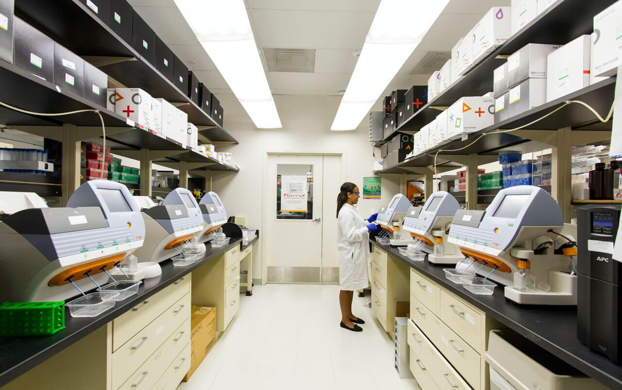 El suministro eléctrico en hospitales es importante en laboratorios o áreas de recogida de datos