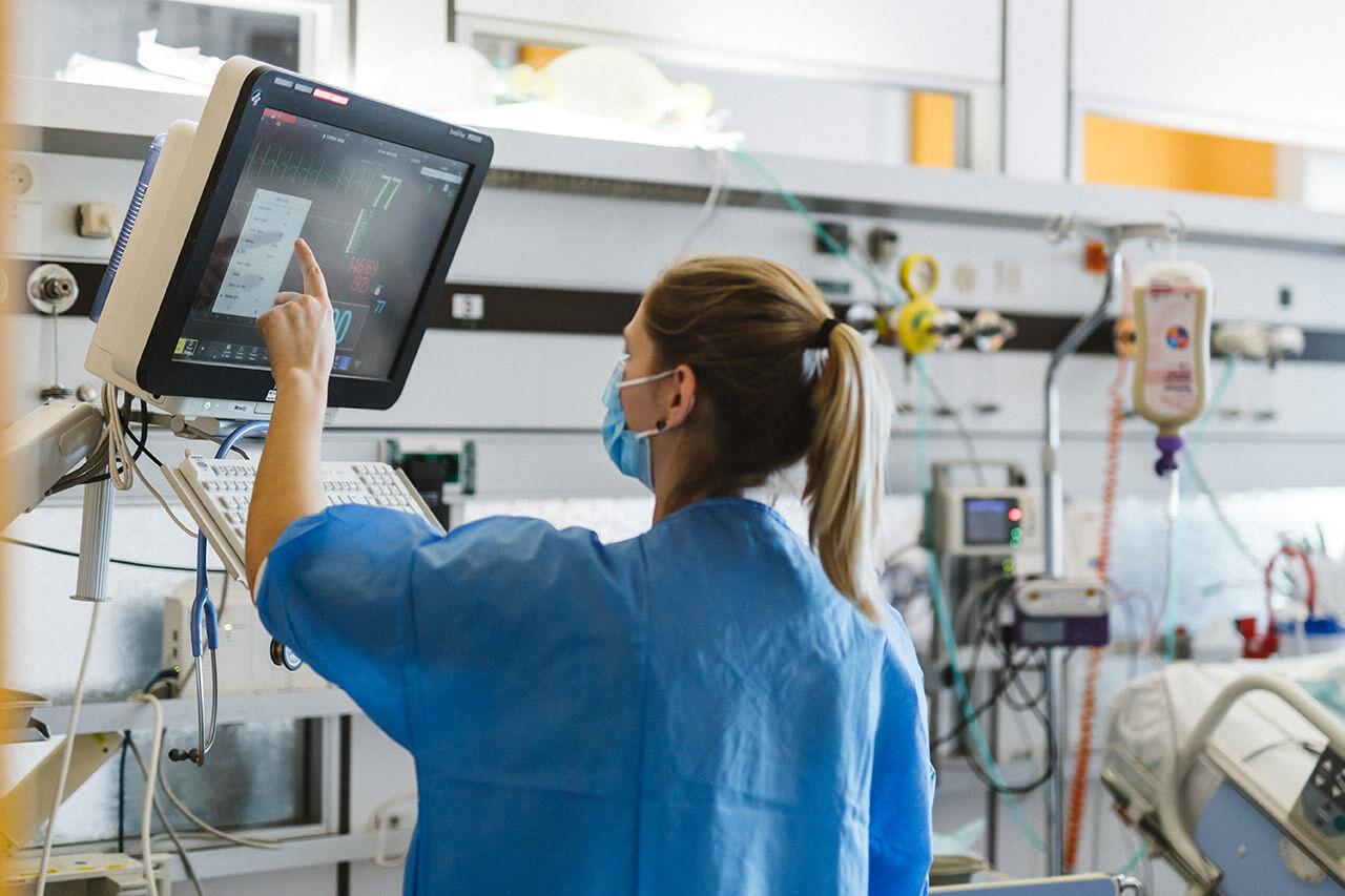 Ejemplos de normas de seguridad eléctrica en hospitales